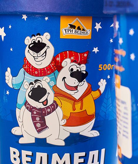 """упаковка мороженного """"Три медведя"""" close up"""